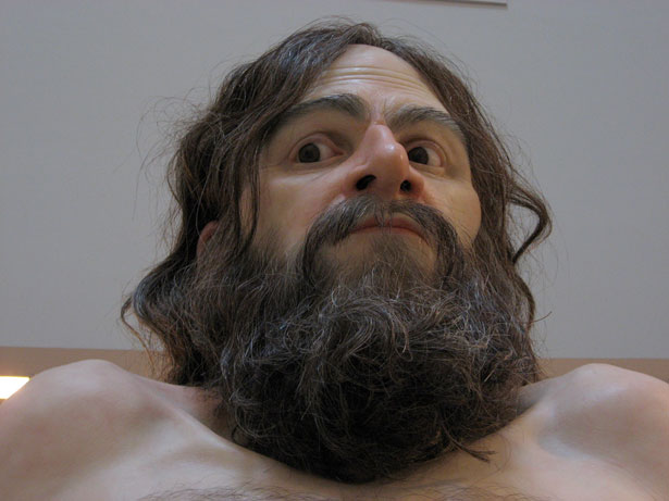 www.pixnaz.info عکسهای شگفت انگیز از مجسمه های انسان نما