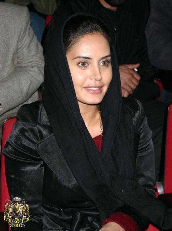 1315179770 11 بازیگران زن ایرانی پشت دوربین با حجابی متفاوت