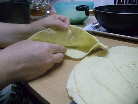 نحوه تهیه نان تاکو