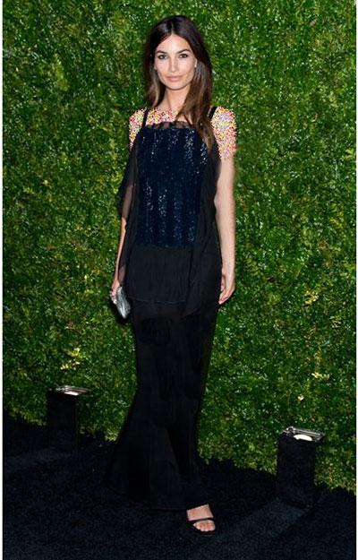 مدل لباس ستارگان هالیوودی از برند مشهور شنل