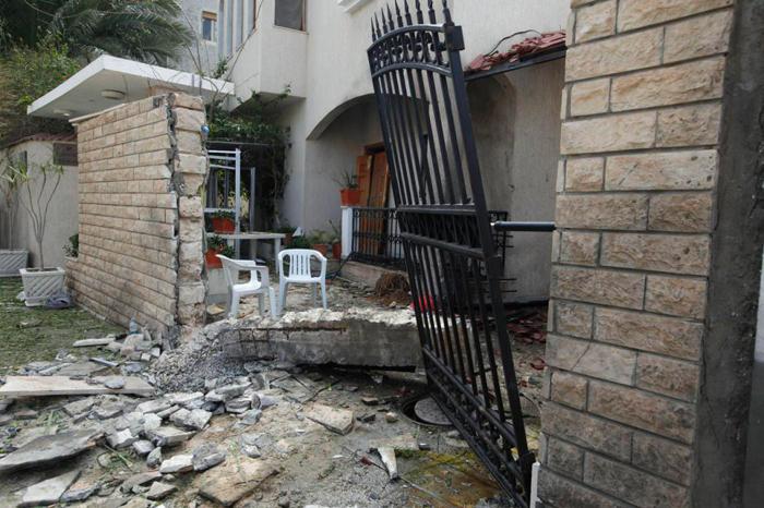 (تصاویر) خانه سفیر ایران در لیبی پس از انفجار