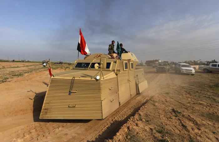(تصاویر) ارتش به دروازههای تکریت رسید