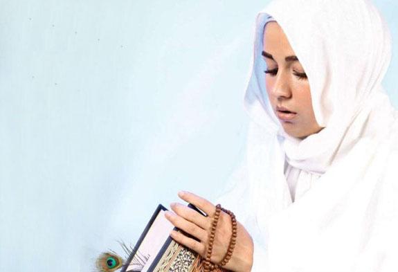 بازیگر زن ، افسانه پاکرو ، نماز