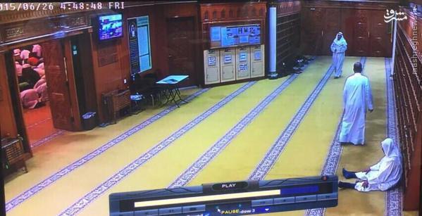 عکس/ لحظه ورود عامل انتحاری به مسجد شیعیان