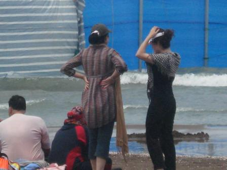 ابتذال در شمال , سواحل بابلسر , شهرک های آزاد شمال , بی حجابی در سواحل مازندران , بی بند و باری , فساد در سواحل شمال , دختران بدون روسری