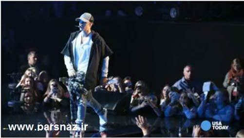 خواننده پر طرفدار وسط کنسرت قهر کرد و رفت + عکس