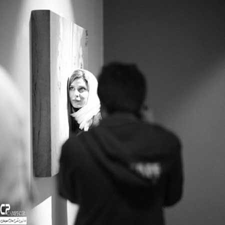 مهناز افشار، طناز طباطبایی و سحر دولت شاهی در یک گالری
