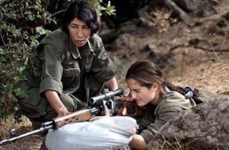 ارتش و پلیس ترکیه بدنبال این دختر زیبای کرد + عکس