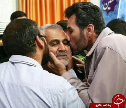 سردار سلیمانی غرق در بوسه/عکس
