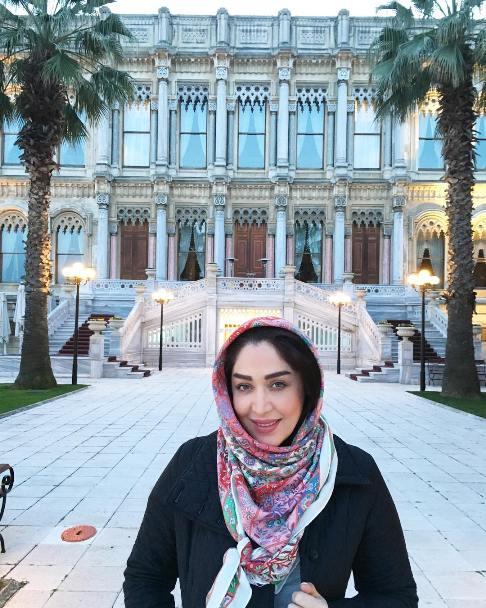 عکس سارا منجزی در استانبول