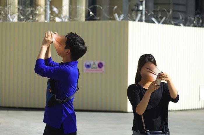 عکس های خفن از وابستگی افراد به تلفن همراه
