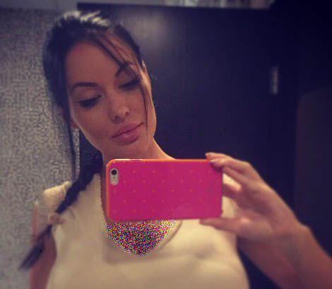 مدل زن ۲۷ ساله چهره اش را شبیه آنجلینا جولی کرد