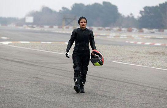 عکس هایی از گزارش موتور سواری زنان در ایران