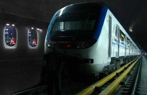 خودکشی-در-مترو