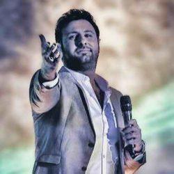لباس عجیب محمد علیزاده در کنسرت برج میلاد