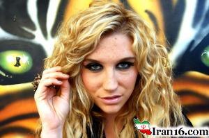 اقدام چندش آور خواننده زن سرشناس که باعث شوکه شدن امریکا شد!! + عکس