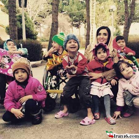 لیلا بلوکات و فرزند خوانده هایش +عکس