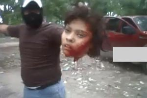 جنجال ویدئوی سربریدن خبرنگار زن توسط داعش + تصاویر ۱۸+