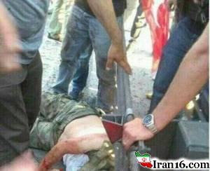 بریدن سر سرباز کودتاچی توسط حامیان اردوغان + تصاویر
