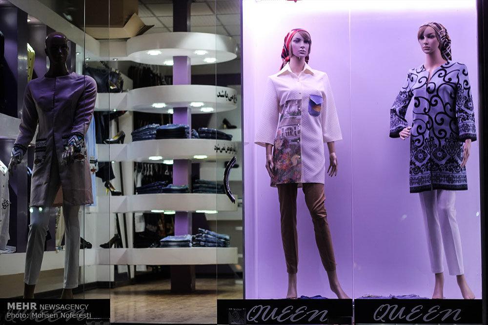 بی حجابی در ویترین مغازه ها