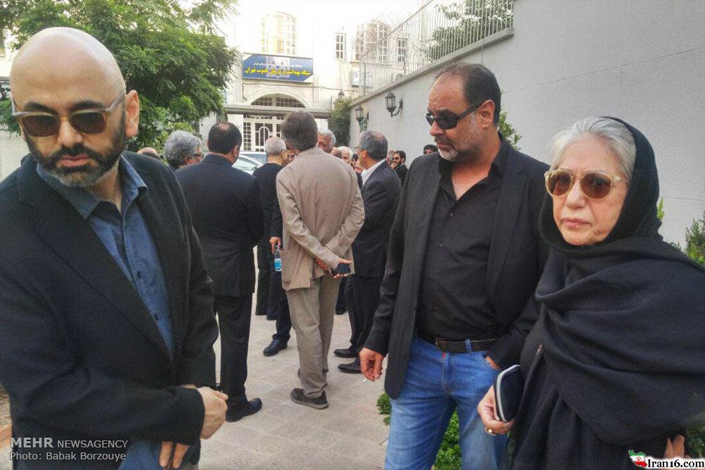 کیارستمی روی شانههای شهاب حسینی (+تصاویر)