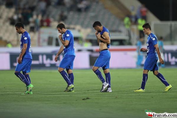 تصویری باورنکردنی پس از باخت استقلال در ورزشگاه آزادی