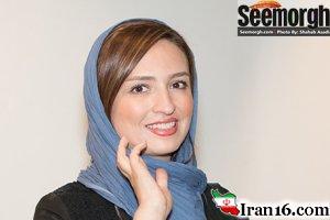 ظاهر خاص نوید محمدزاده در نمایشگاه عکس باحضور گلاره عباسی و … عکس