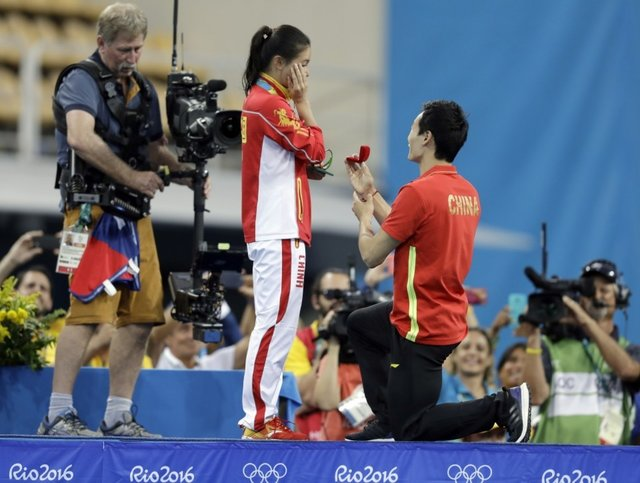 خواستگاری روی سکوی مدالهای المپیک +عکس