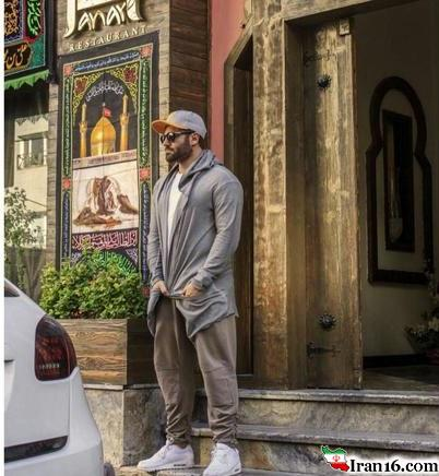تیپ لاکچرى محمدرضا گلزار رو به روی رستورانش در خیابان جردن تهران +عکس