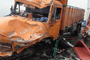 تصادف مرگبار در اتوبان بسیج؛ ۲ راکب موتورسیکلت در دم جان باختند