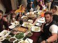 میز غذای مجلل محمدرضا گلزار، بهاره کیان افشار و دیگر ستاره ها در عاشقانه +عکس