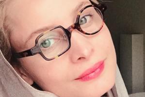 عکس های آتلیه ای مریم کاویانی بازیگر 46 ساله