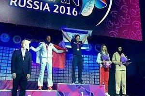 جنجال حرکت ورزشکار زن ایرانی در روسیه + عکس