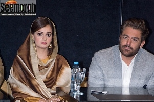 محمدرضا گلزار در کنار دیا میرزا بازیگران فیلم سلام بمبئی در پردیس کوروش