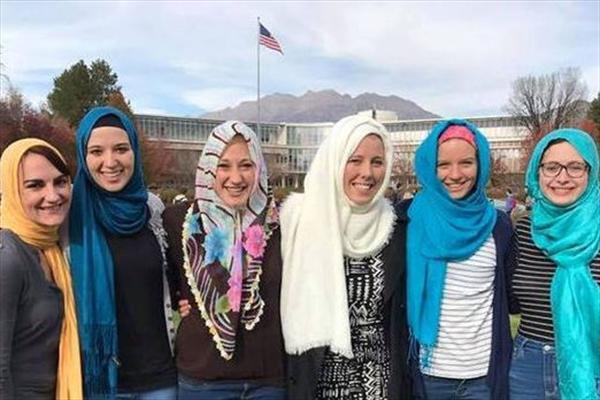 دانشجویانی که هفته ای یک روز با حجاب می شوند +عکس