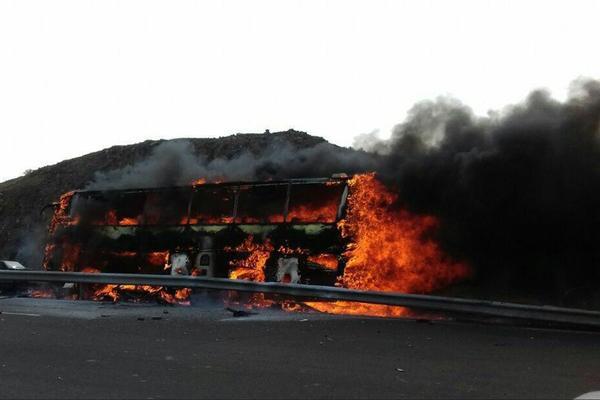 اتوبوسی دیگر در آتش سوخت