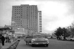 داخل مرکز تجاری پلاسکو تهران قبل از خراب شدن