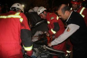 نجات معجزه آمیز راننده پراید از تصادف با تریلی+تصاوبر