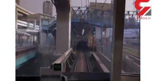 فیلم لحظهی برخورد سر یک مرد با قطار مترو در ایستگاه (14+)