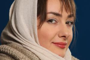 تیپ و رنگ موی هانیه توسلی در جشنواره فجر