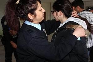 لخت کردن دختران ایرانی در فرودگاه گرجستان
