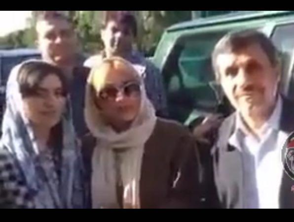 سلفي های خودماني چند خانم تهراني با محمود احمدي نژاد