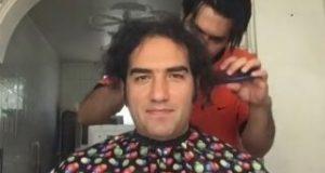 خواننده سرشناس ایرانی بعد از ۲۰ سال موهایش را زد | عکس