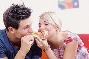 چه غذاهایی قبل و بعد از رابطه جنسی باید بخوریم و نخوریم