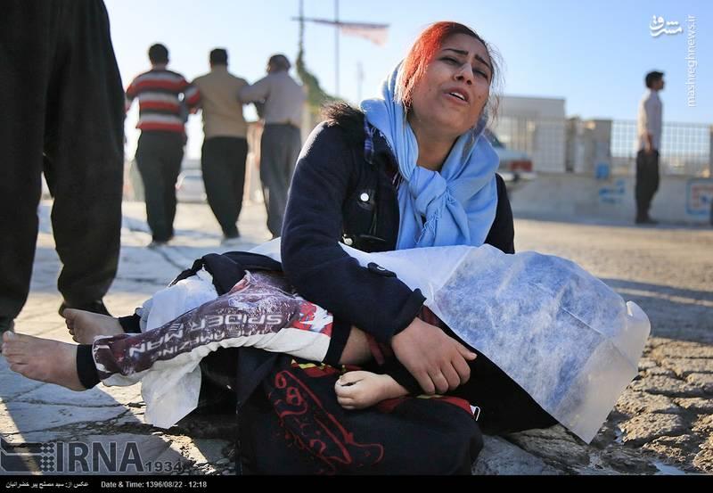 دردناک ترین عکس از زلزله کرمانشاه + عکس
