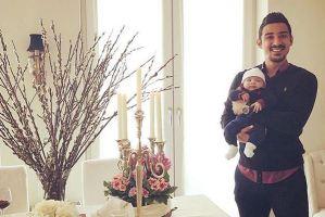 عکس خنده دار رضا قوچان نژاد با پسرش دوران!