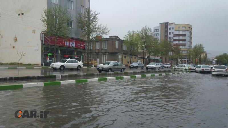 آموزش رانندگی در باران