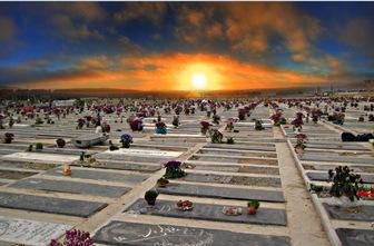 ماجرای شیخ رجبعلی خیاط و استشمام بوی سیب سرخ در قبرستان