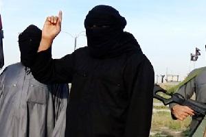 اعدام یک جوان عراقی توسط داعش(18+)