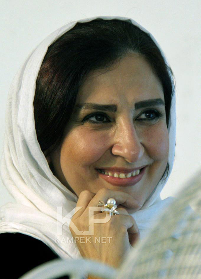 92e649f7657aa26f89f23a70460de1461 بازیگران زن ایرانی پشت دوربین با حجابی متفاوت